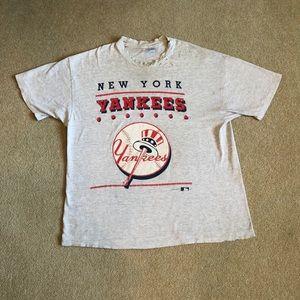 Vintage 92' New York Yankees Tee. Men's XXL